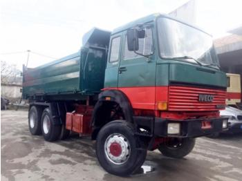 Iveco MAGIRUS 26.320 (6 x 6) - camion benne