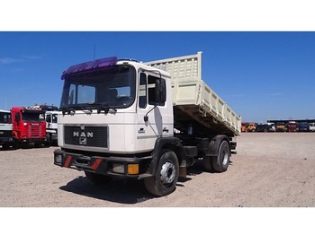 MAN 17.232 (MANUAL PUMP / STEEL SUSPENSION / 6 CYLINDER) - camion benne