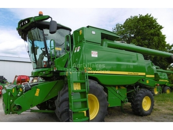 Moissonneuse-batteuse John Deere T670