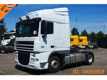 Tracteur routier DAF XF105.460 Space Cab: photos 1