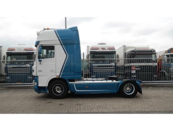 DAF XF 105.460 RETARDER SUPER SPACECAB - tracteur routier